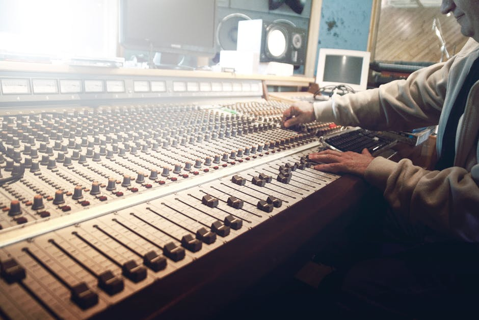 Audio 101: What's the Difference Between Mixing and Mastering